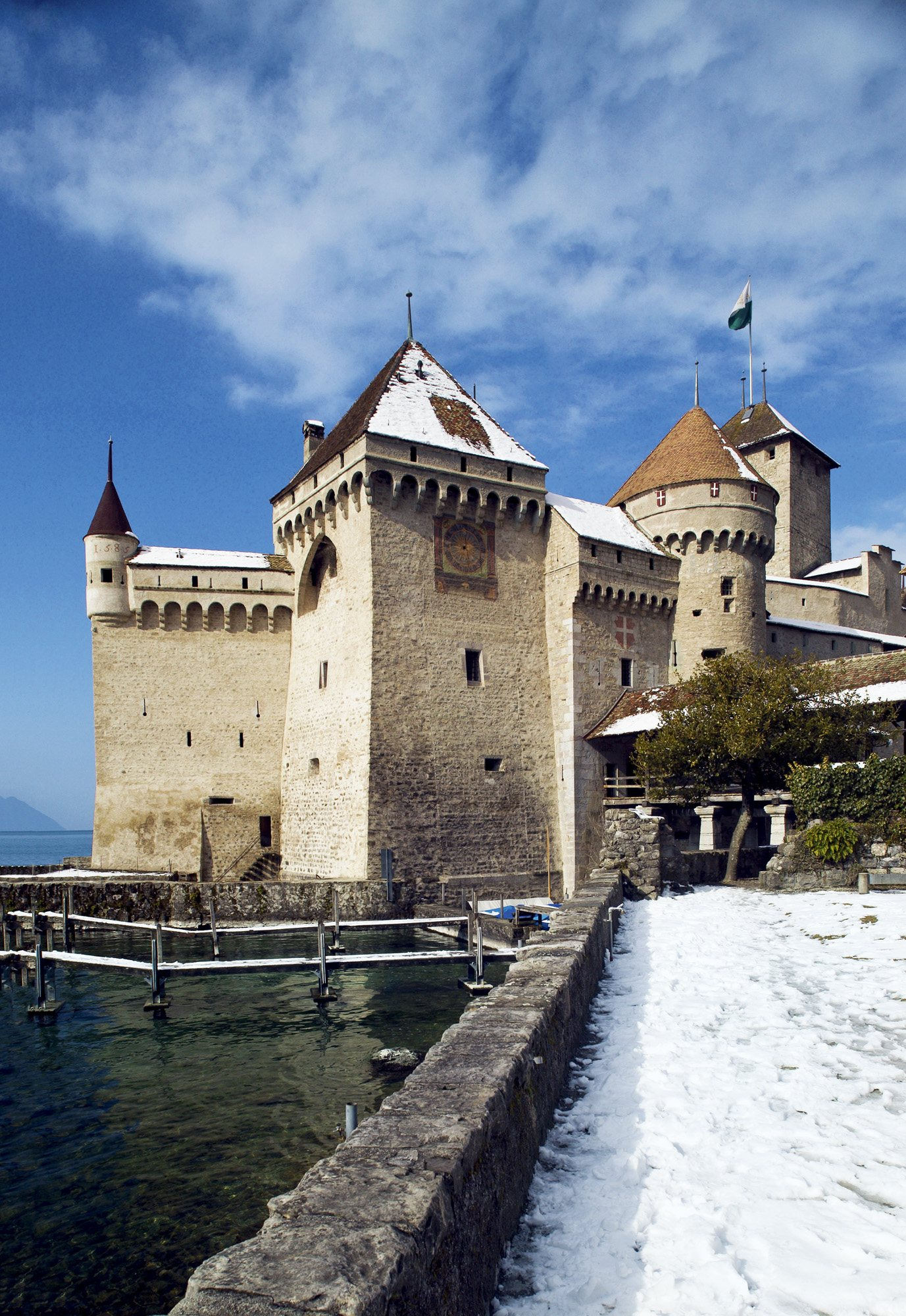 Picture 524 Rafael ROJAS. Castillo de Chillon