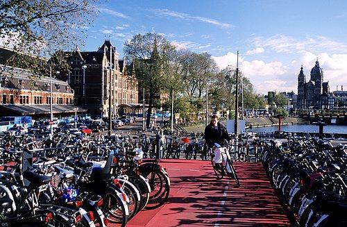 HEMIS 0129857. En bici por Holanda