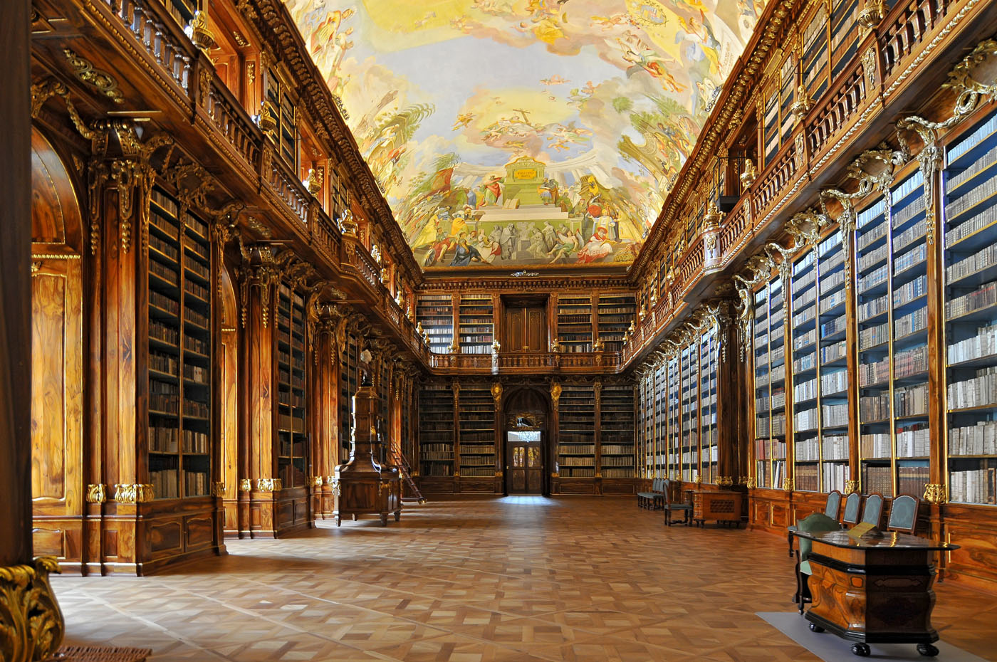 Historical library of Strahov Monastery in Prague. Praga, República Checa