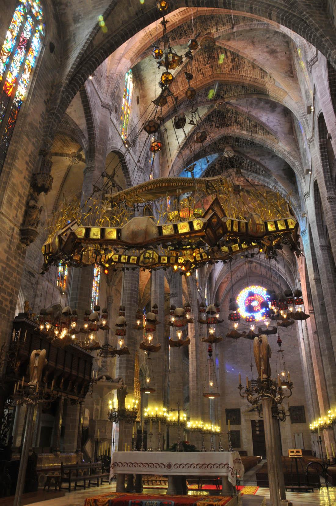10 Curiosidades De La Catedral De Mallorca