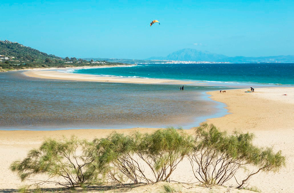 playa-valdevaqueros-tarifa. Playa de Valdevaqueros, Tarifa - El capitán Alatriste