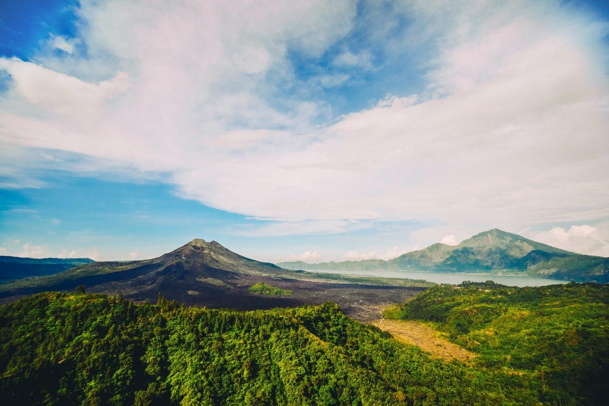Los tres grandes volcanes