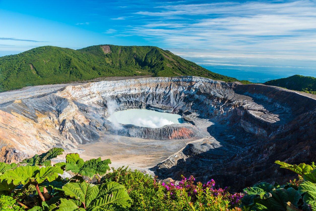 La teoría de Humboldt. El tres en raya de los volcanes
