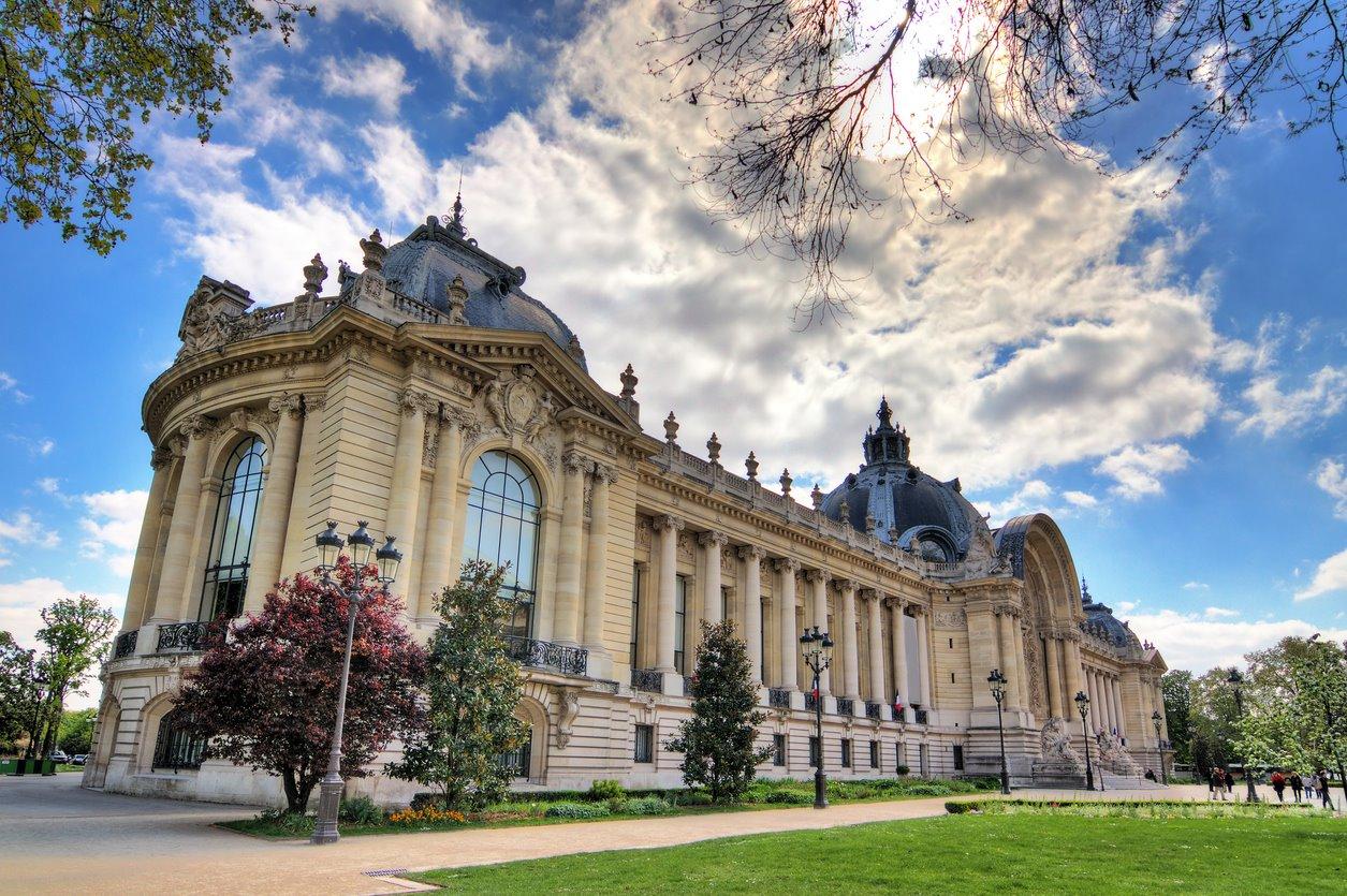 Para los más Románticos: Petit Palais. Para quien busca un mini Louvre: Petit Palais