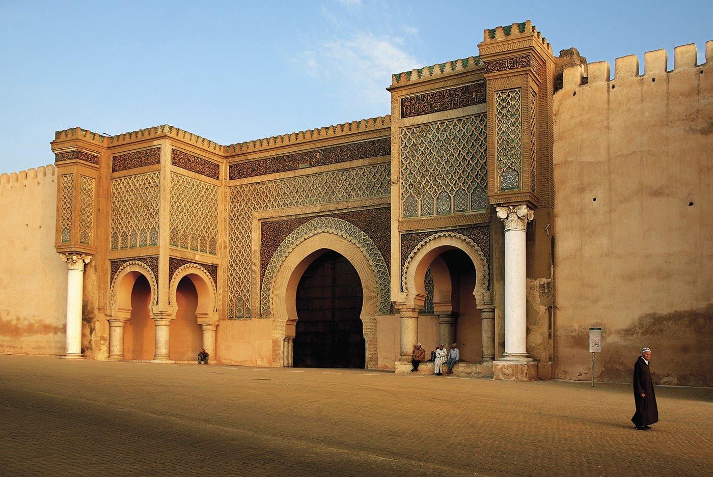 4. puerta-bab-mansour-meknes. El castigo del artista