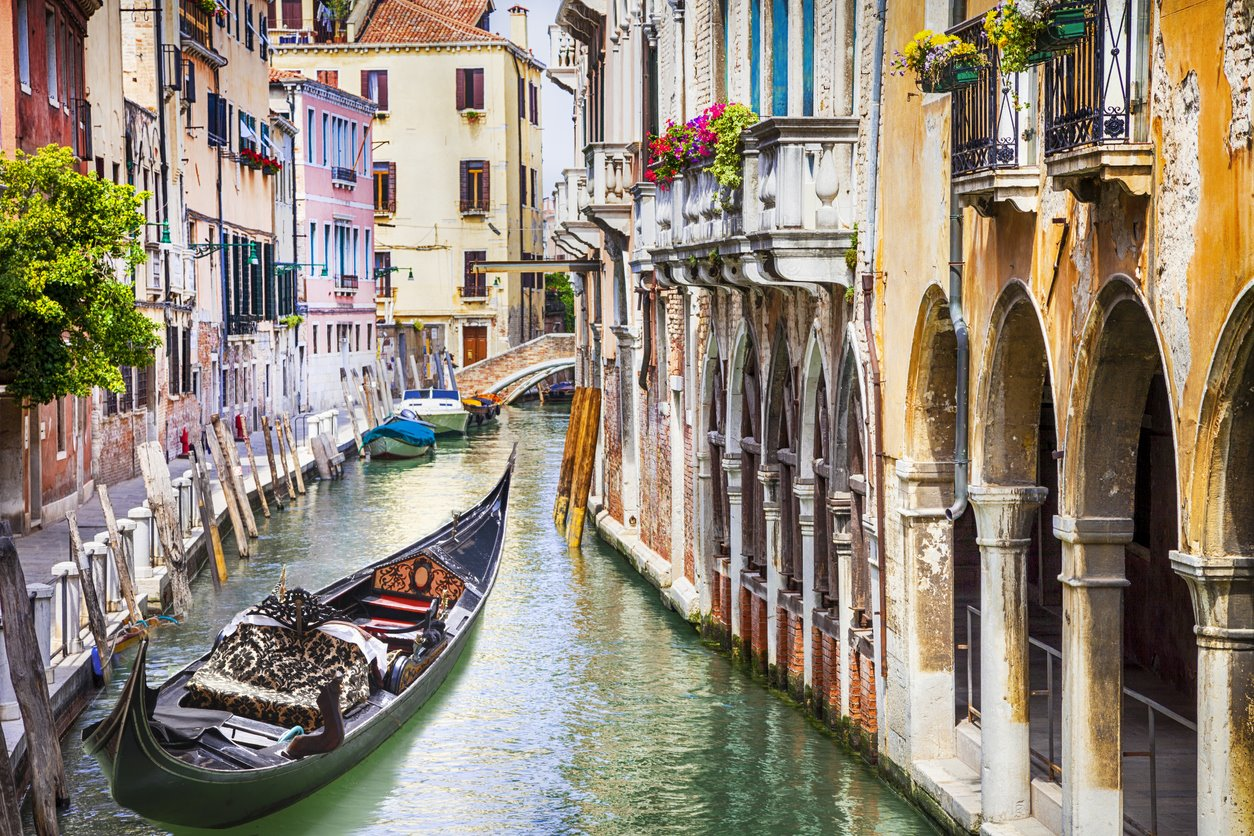 Para un fin de semana entre góndolas venecianas...