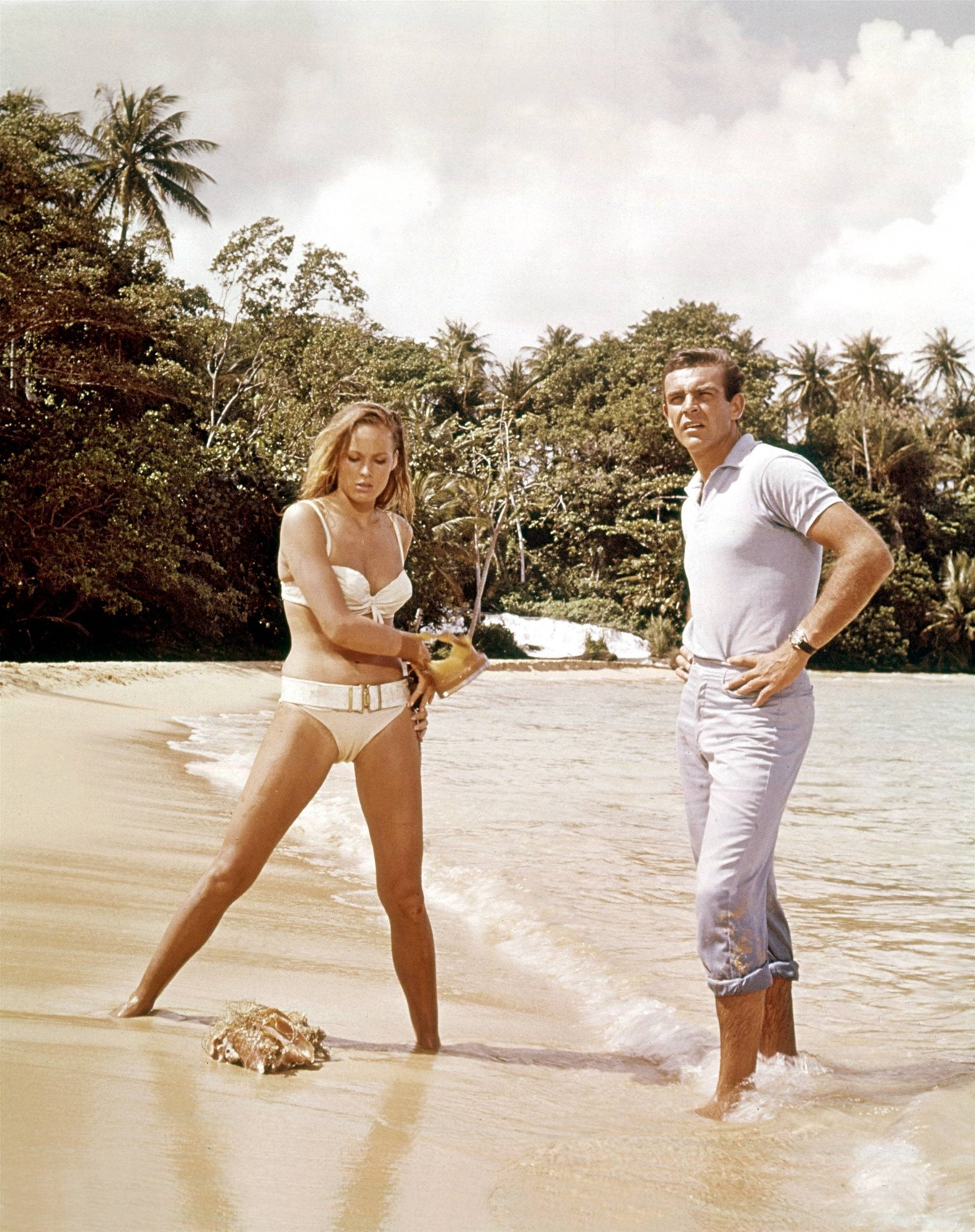 Laughing Waters: Ursula Andress contra el Dr. No