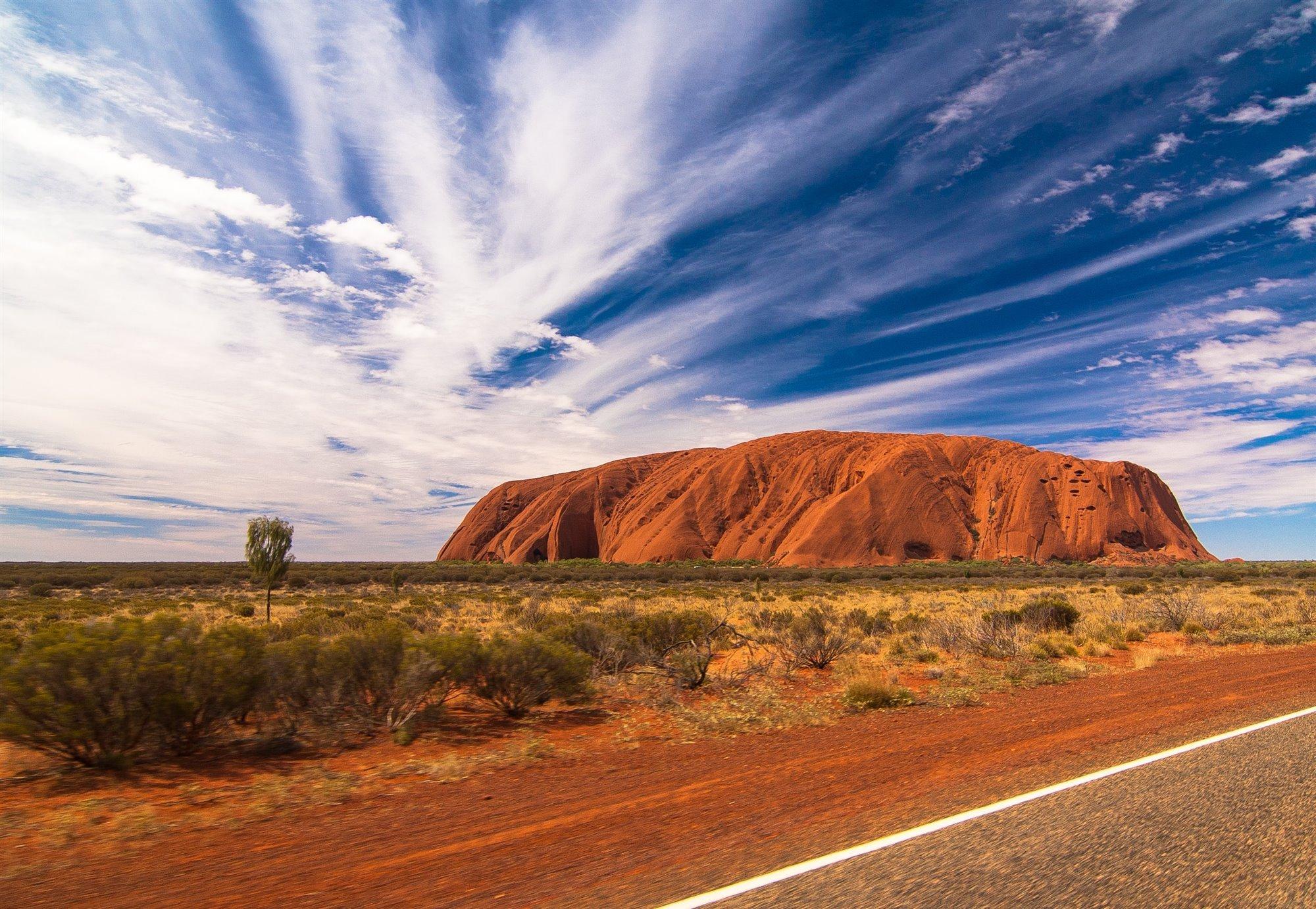 holger-link-1GFUOji-yck-unsplash. Rumbo a Uluru