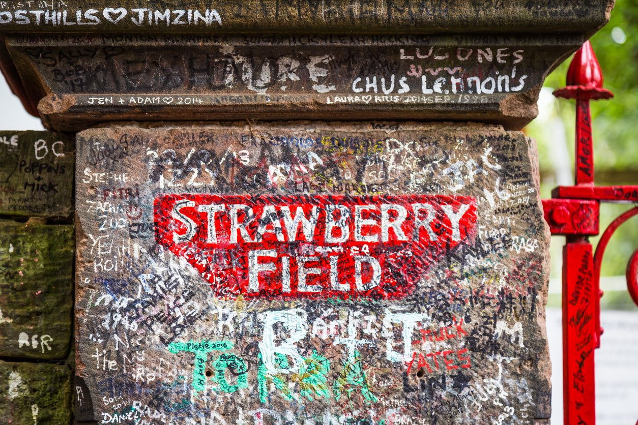 Strawberry Fields. Exposición...