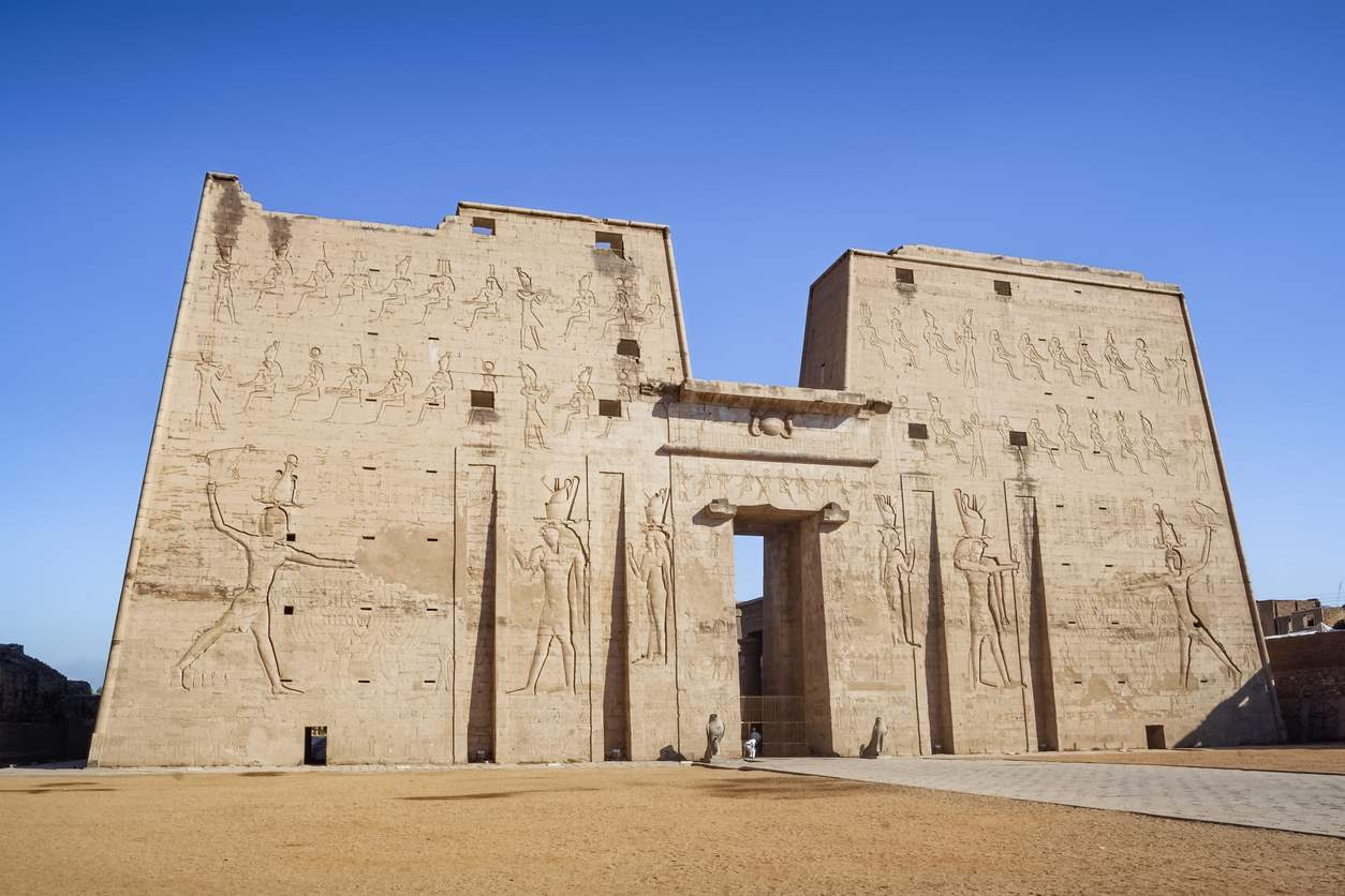 iStock-1199922747. Templos con toque griego
