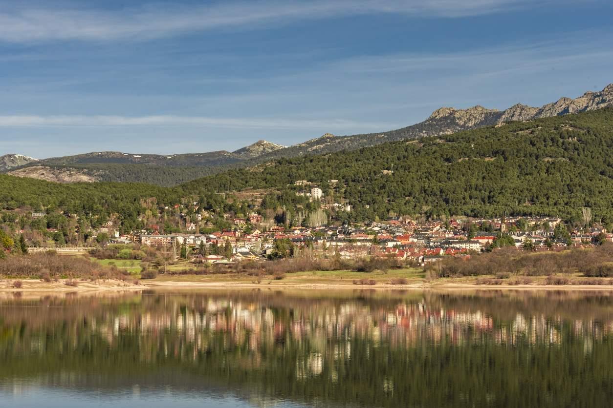 Navacerrada (pueblo)