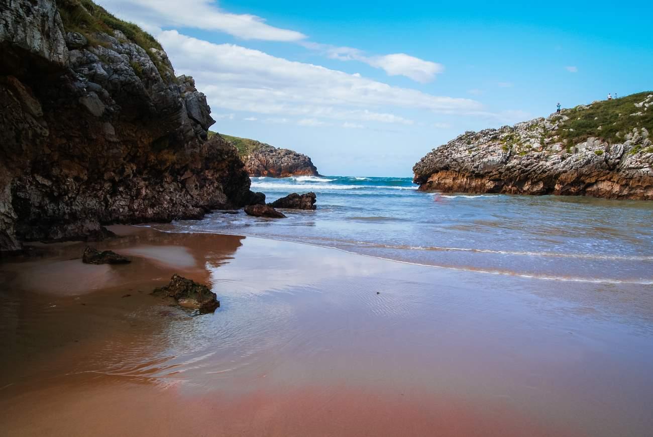 Playa de poo Shutterstock 1021991812. Playa de poo